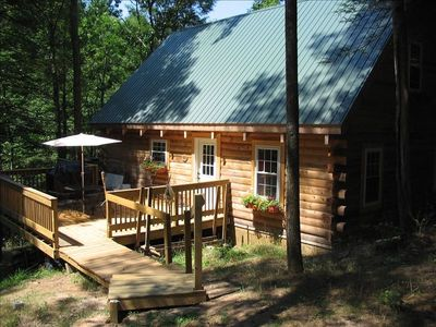 Pipestem cabin rental - Cabin entry and side deck