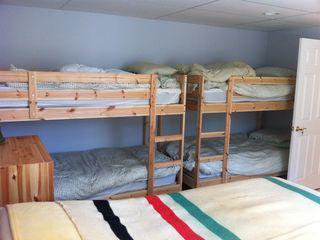 bunk room sleeps 6 in optional 4th bedroom
