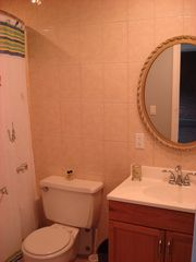 San Salvador condo photo - Guest bathroom