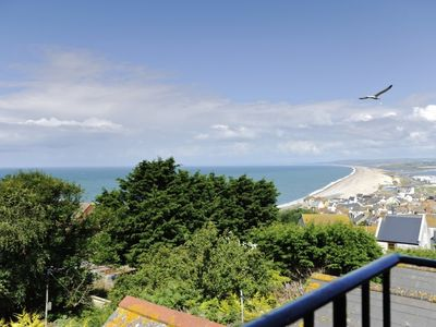 Chesil View House Spectacular views over Chesil Beach from bedroom three