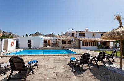 Charming And Spacious Villa With Pool In Siller Area