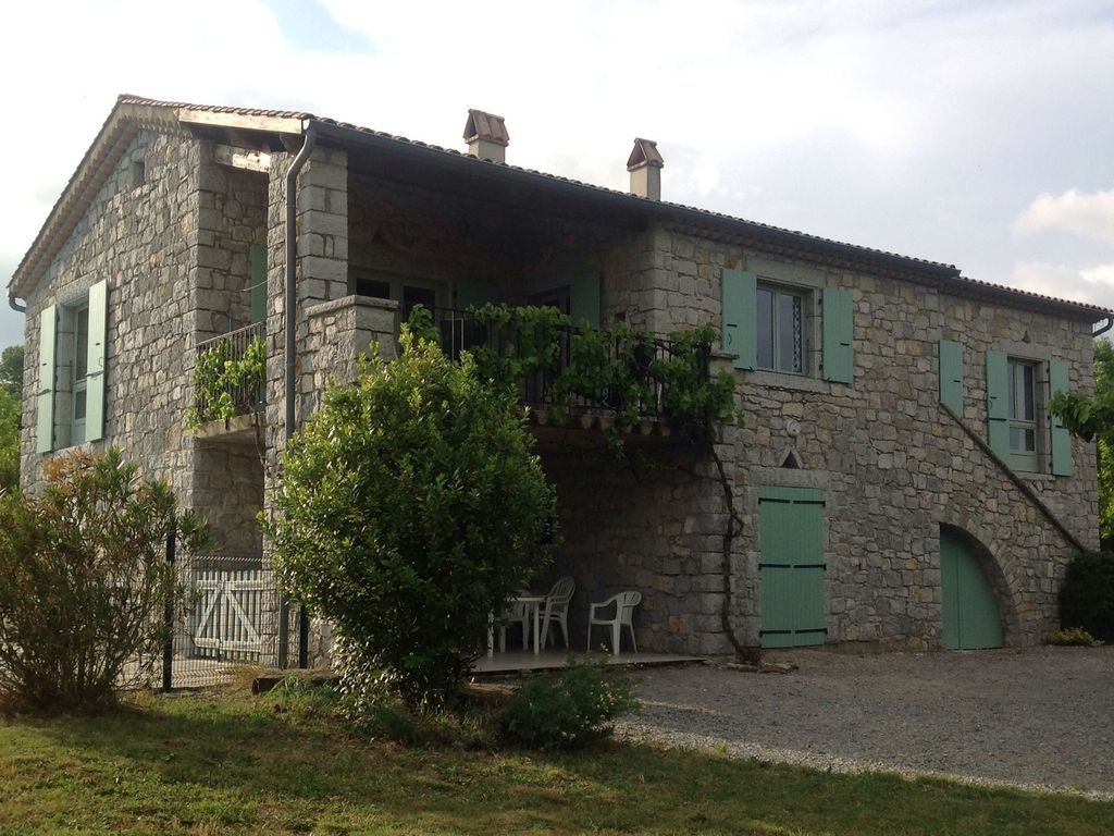 Holiday house, 214 square meters , Chauzon, France