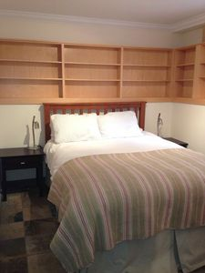 West Vancouver house rental - bedroom. an extremely comfortable queen bed with luxury linens and wool duvet