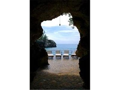 Private caves - Paradise Lagoon Cottages, Negril