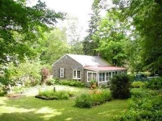 Manchester cottage rental - Garden View - Summer