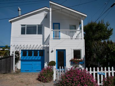 Stinson Beach house rental - only few steps to the beach, sunny and clean white beach house