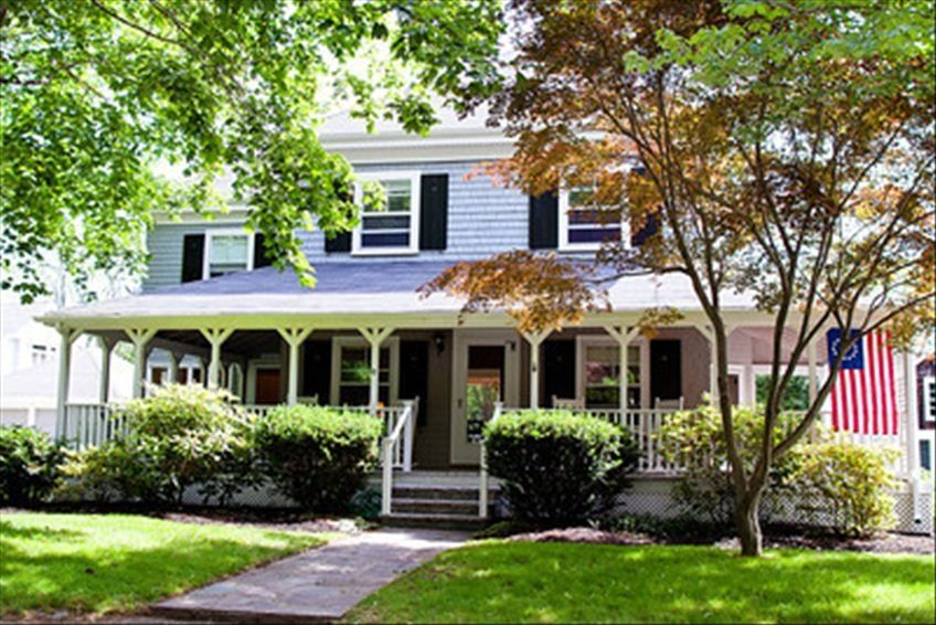 Luxury home wrap around porch and homeaway scituate for Beach house with wrap around porch