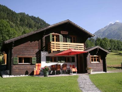 Newly renovated chalet for 4 people in beautiful Valais