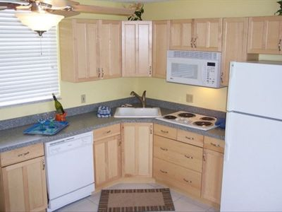 Full kitchen and appliances - unit 3001!