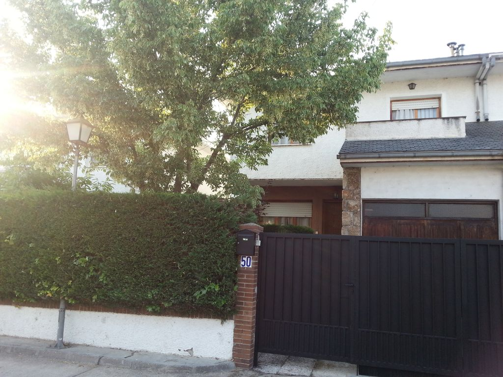 Excellent terraced house for up to 7 people.