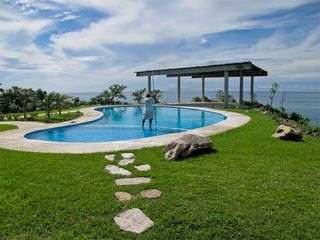 Huatulco condo photo - Enjoy the Viewpoint pool with 300 degree ocean views.