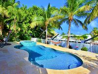 Tropical Paradise in Venetian Shores with Luxury Heated Pool / Spa