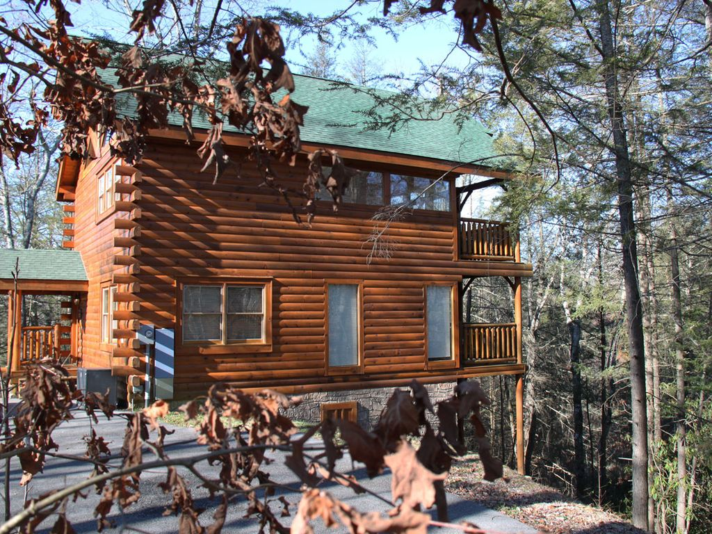 Beautiful Log Cabin In A Quiet Wooded Homeaway Tennessee