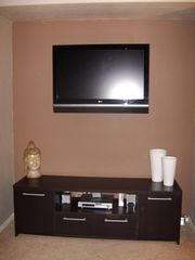 Las Vegas condo photo - 36 inch Flat Screen HD TV in living room