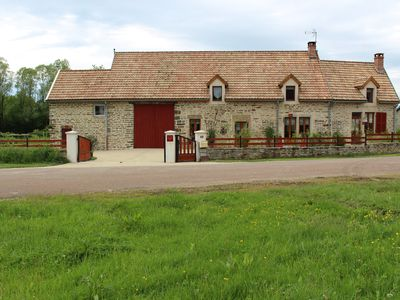 IN THE HEART OF BURGUNDY, HOST ROOM 2-5 PEOPLE, AND NEAR DIJON BEAUNE.