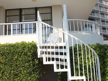 Spiral Steps direct access to pool & beach