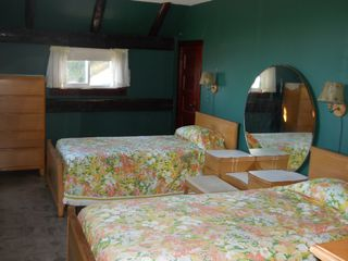 Woodstock house photo - Green Room features 2 single beds and plenty of floor space for a Pack & Play