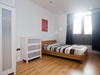 City of London Financial District apartment rental - Flat 2 - Large Double bedroom 1