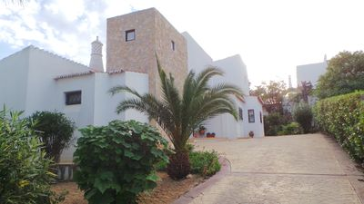 A Beautiful Central 4 Bed Villa with Exceptional View, Minutes Walk to Carvoeiro