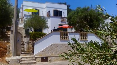 ANDRANO. Location CAVE GREEN. Villa with sea view