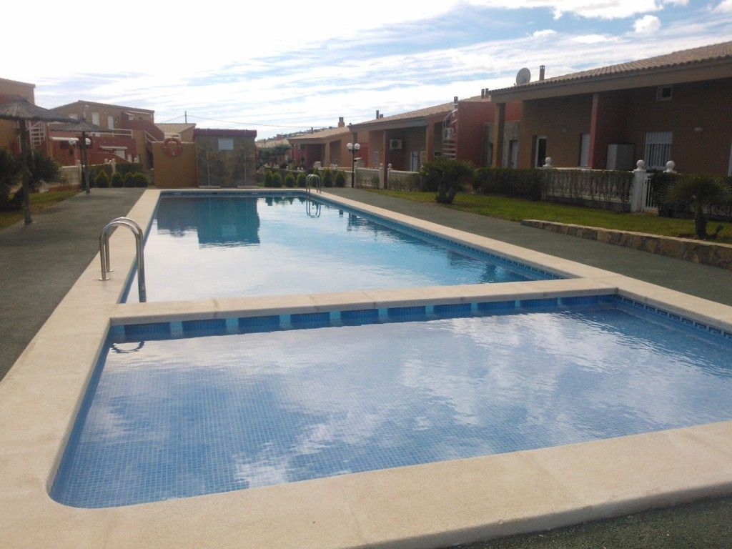 Villa with swimming pool air conditioning garden - What is swimming pool conditioner ...