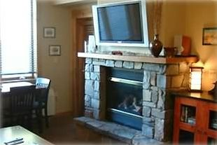 Whitefish condo rental - Morning Eagle 204 - Plasma TV and Fireplace