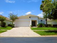 Beautiful 4 Bed 3 Bath Villa with Pool, Spa and Lake View - 15 mins from Disney