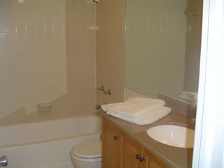 Naples condo photo - Full and clean bathroom