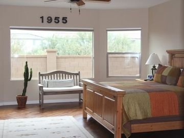 Sahuarita house rental - A restful master bedroom with plenty of room for relaxing.