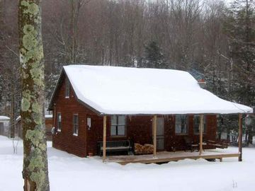 Mountain Valley Retreat in the winter