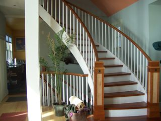 Pemaquid Point cottage photo - Sweeping staircase