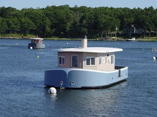 Georgetown house boat photo - Charles Andrew and Tessie Ann (Home Away 295122).