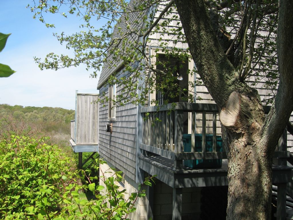Block island ri charming cottage homeaway block island for Block island cottage