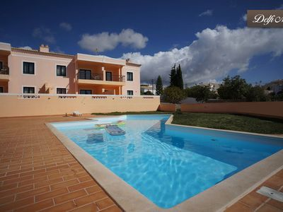 Beautiful Boutique Apartment, close to beach, sleeps 4, A/C, sun terrace, pool