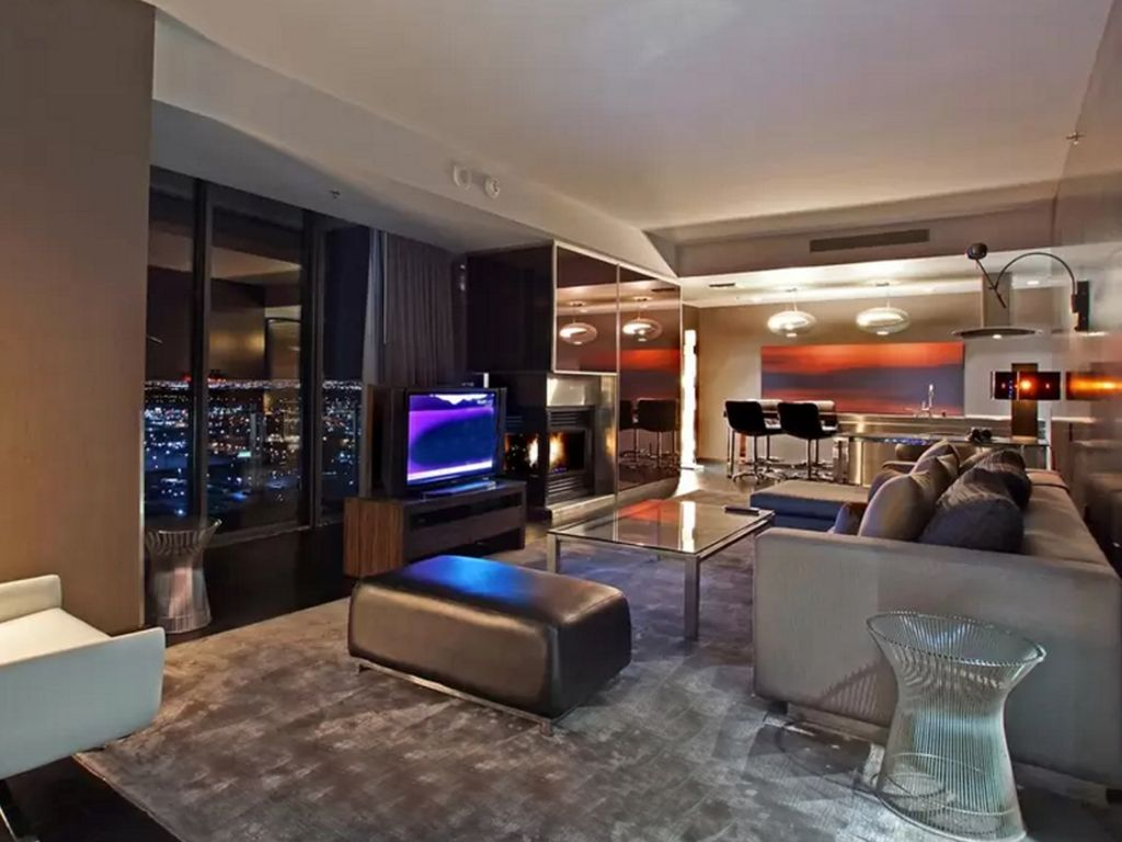 strip view one bedroom 1220 sf luxury suite at palms place