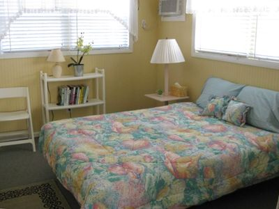 Queen   guest Bedroom with airconditioning