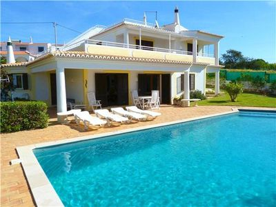 Holiday house for 6 persons, with swimming pool, in Cerro de Aguia