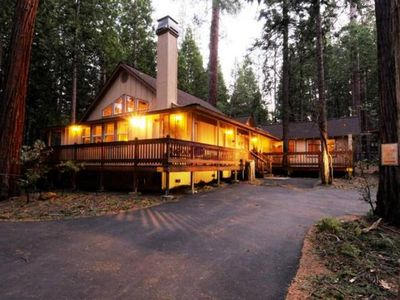 3 Bedroom Cabin Home **Lake Membership**