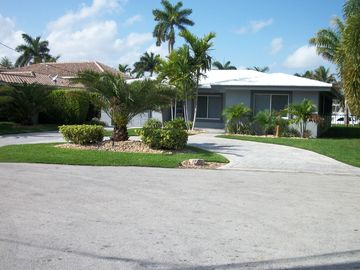 Pompano Beach house rental - Alternate view from road