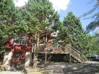 Large lakefront home with it 39 s own private vrbo for Long pond pa cabin rentals