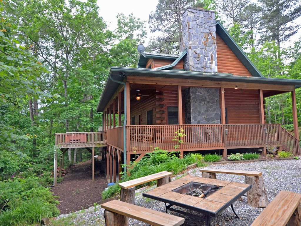 Forest Lake Cabin 3 BR Vacation Cabin for Rent in Bryson