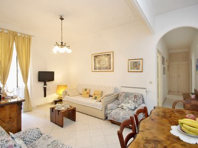 Roman Holiday Accommodation - Labicana 1 Apt - Living Room