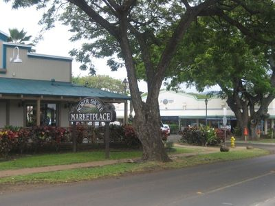 Historical Haleiwa Town-dining, art galleries, shops less than 1 mile from Condo