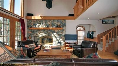 Alpine Meadows chalet rental - Living