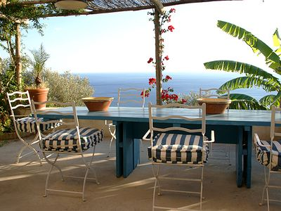 Spacious holiday home with beautiful sea view terrace at the amalfi coast.