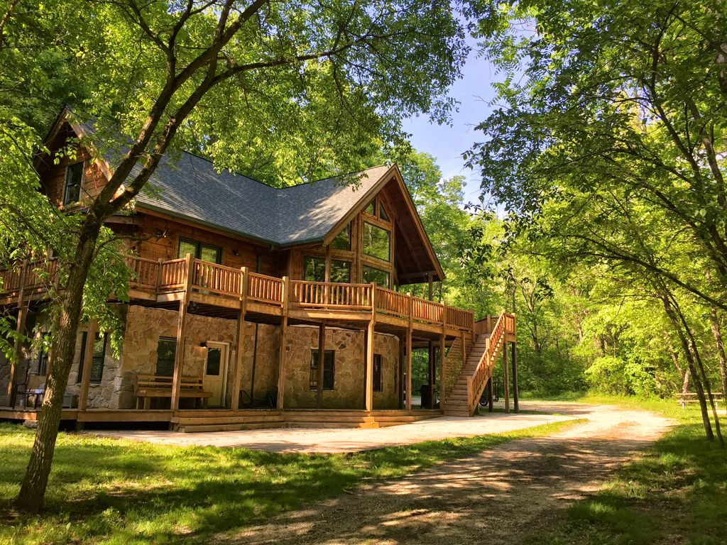 Log Cabin Vacation Home On 62 Private Wooded Vrbo