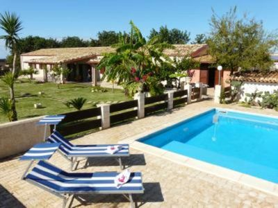 WONDERFUL COUNTRY VILLA WITH PRIVATE POOL AND LARGE GARDEN