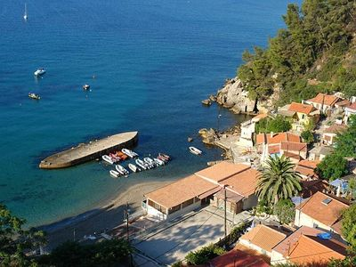 Le Pradet, T2 50m2 for 3 persons, five minutes walk from the beach.