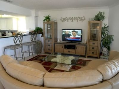 All New Living Room! Leather Sectional & Flatscreen TV/DVD