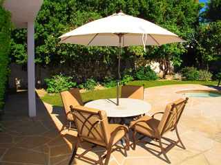 Indian Wells house photo - Outdoor dining table. Gas BBQ.